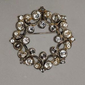 Silver Wreath Diamond Cubic Zirconia Brooch